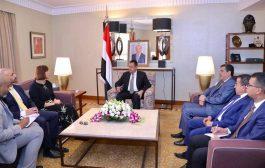 رئيس الوزراء: طريق السلام واضح والعقبة الأساسية إستمرار إيران في دعمها للحوثيين