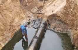 أهالي شبوة يحذِّرون من كارثة بيئية بسبب تسرب نفط خام