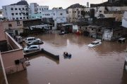 تضرر أكثر من ألف أسرة نازحة جراء السيول بعدن