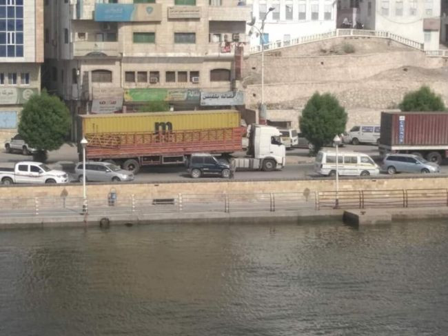 معلومات جديده حول  حاويات الأموال التي وصلت الى ميناء  المكلا