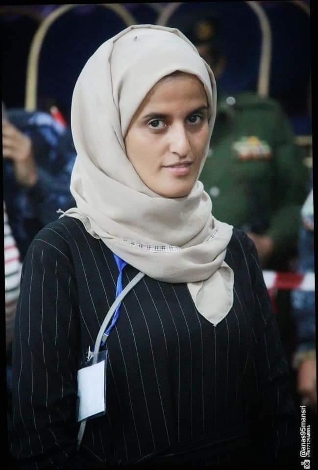 قائد عسكري يعتدي على الزملاء مراسلي قناة اليمن بتعز